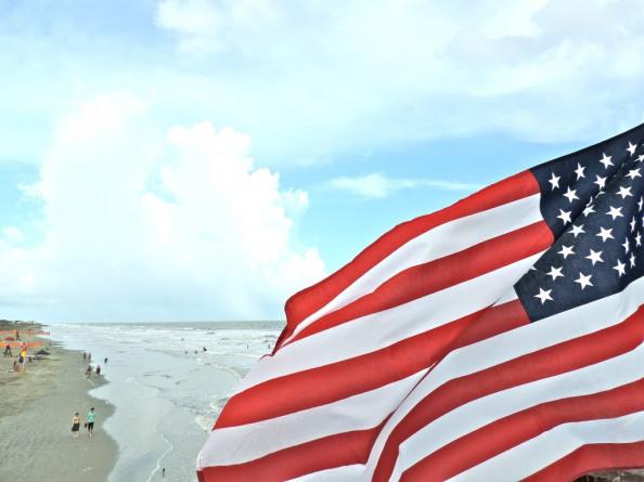 beach american flaf Follybeach